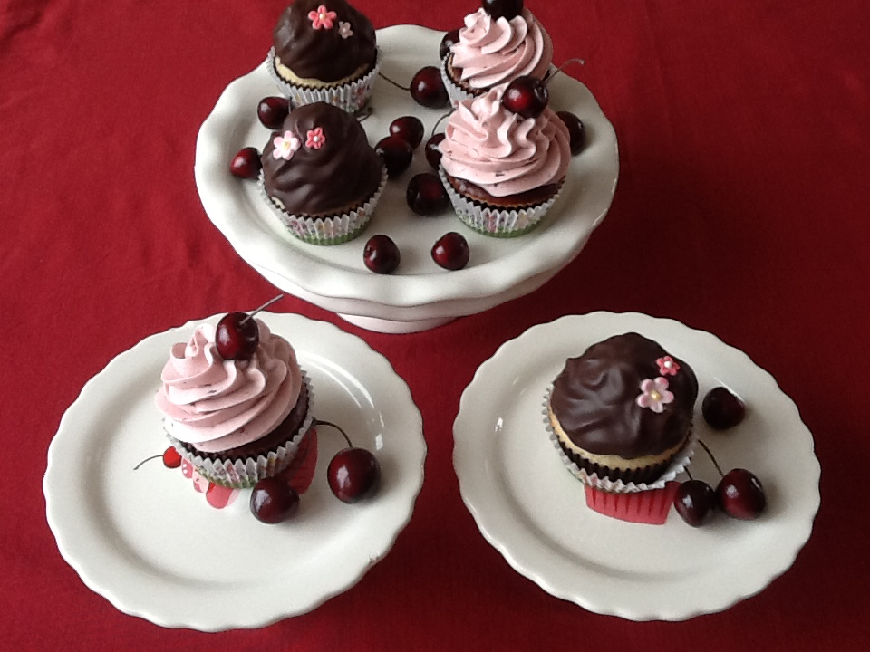 cherry cola cupcakes with chocolate | Sweet Joan